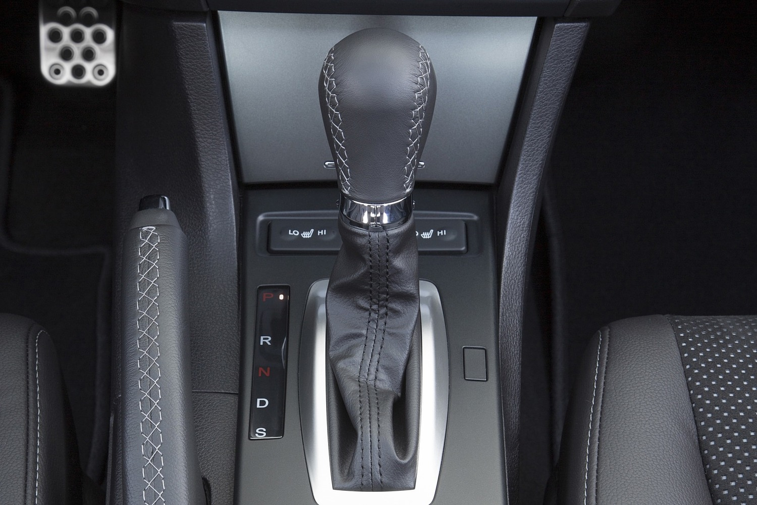 Acura ILX Technology Plus and A-SPEC Packages Sedan Shifter (2016 model year shown)