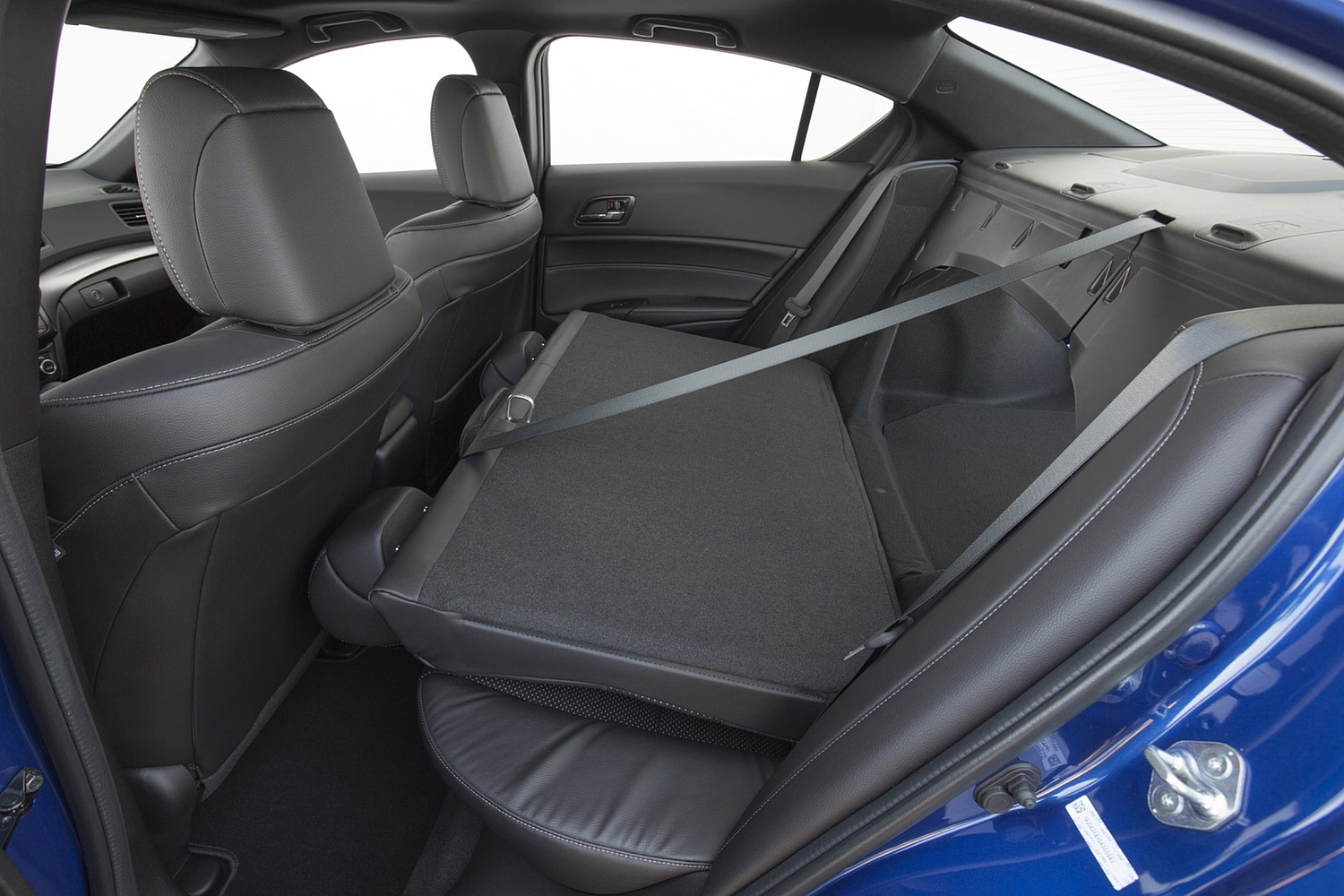 Acura ILX Technology Plus and A-SPEC Packages Sedan Rear Seats Down (2016 model year shown)