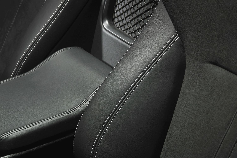 2016 Jaguar F-TYPE S Convertible Interior Detail