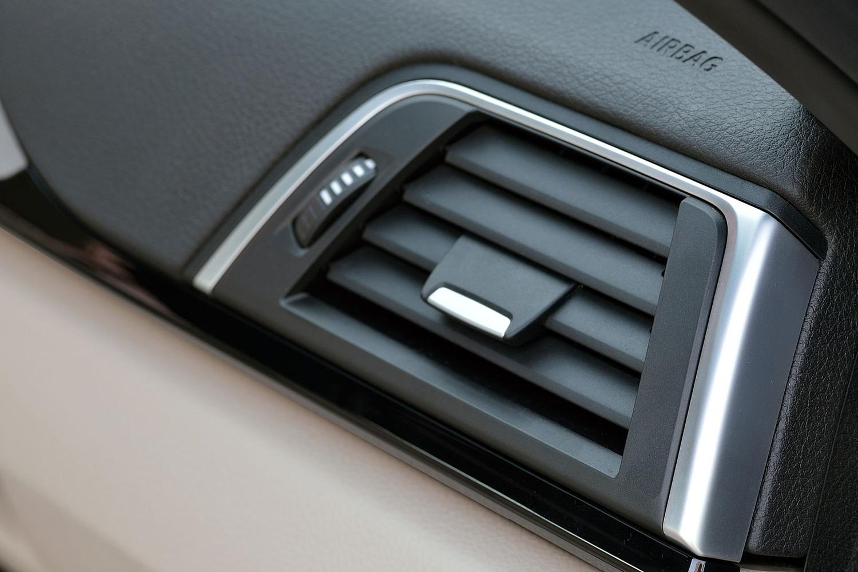 BMW 3 Series 340i Sedan Interior Detail (2016 model year shown)