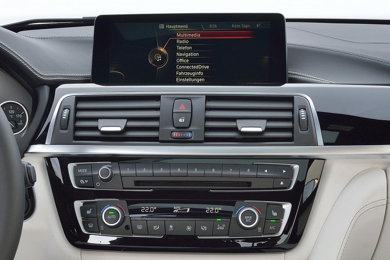 BMW 3 Series 340i Sedan Center Console (2016 model year shown)