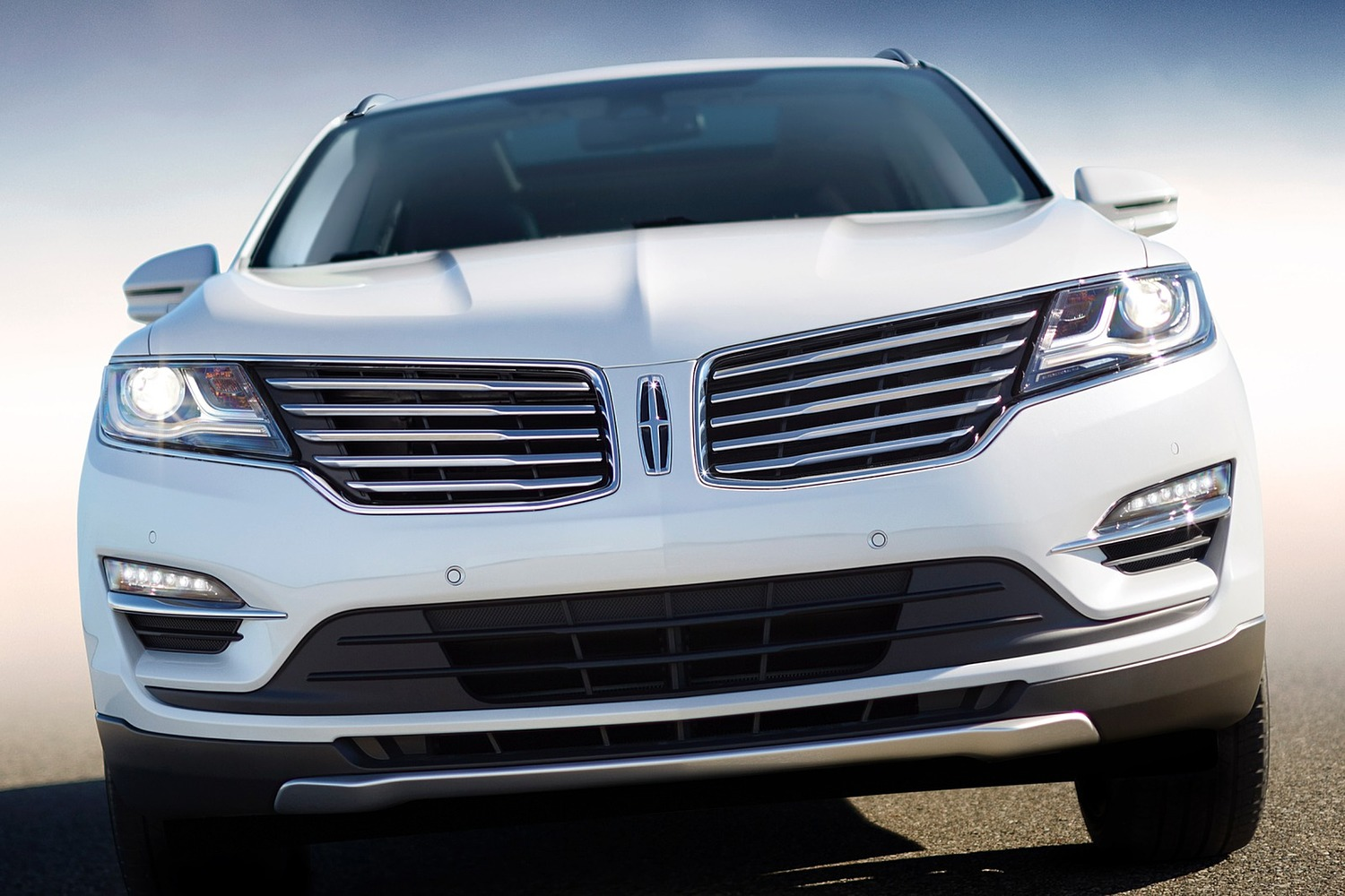Lincoln MKC Select 4dr SUV Exterior (2016 model year shown)