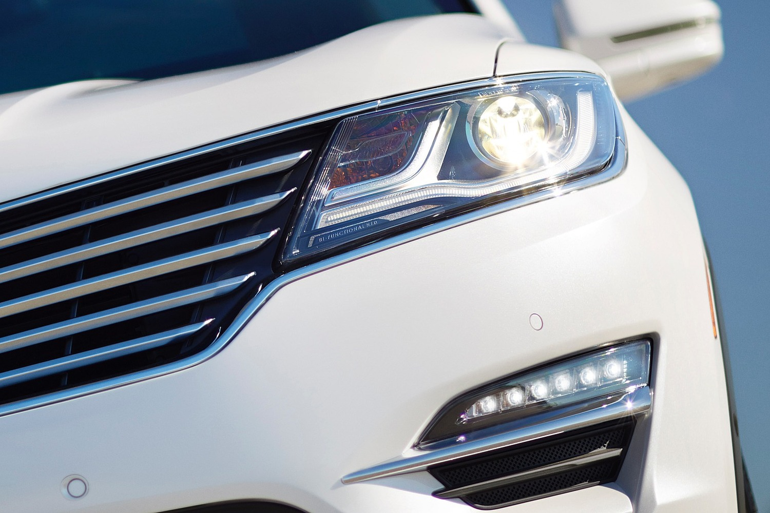 Lincoln MKC Select 4dr SUV Exterior Detail (2016 model year shown)