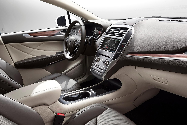 Lincoln MKC Select 4dr SUV Interior (2016 model year shown)