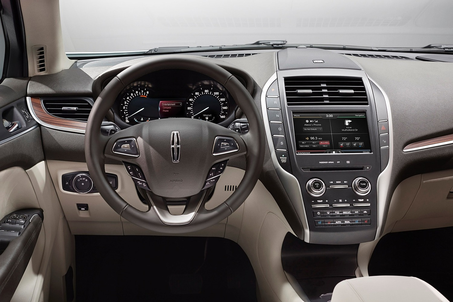 Lincoln MKC Select 4dr SUV Dashboard (2016 model year shown)