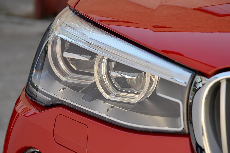 2016 BMW X4 xDrive35i 4dr SUV Exterior Headlamp Detail
