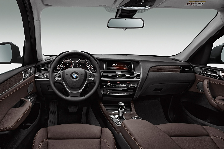 BMW X3 xDrive28d 4dr SUV Dashboard (2016 model year shown)