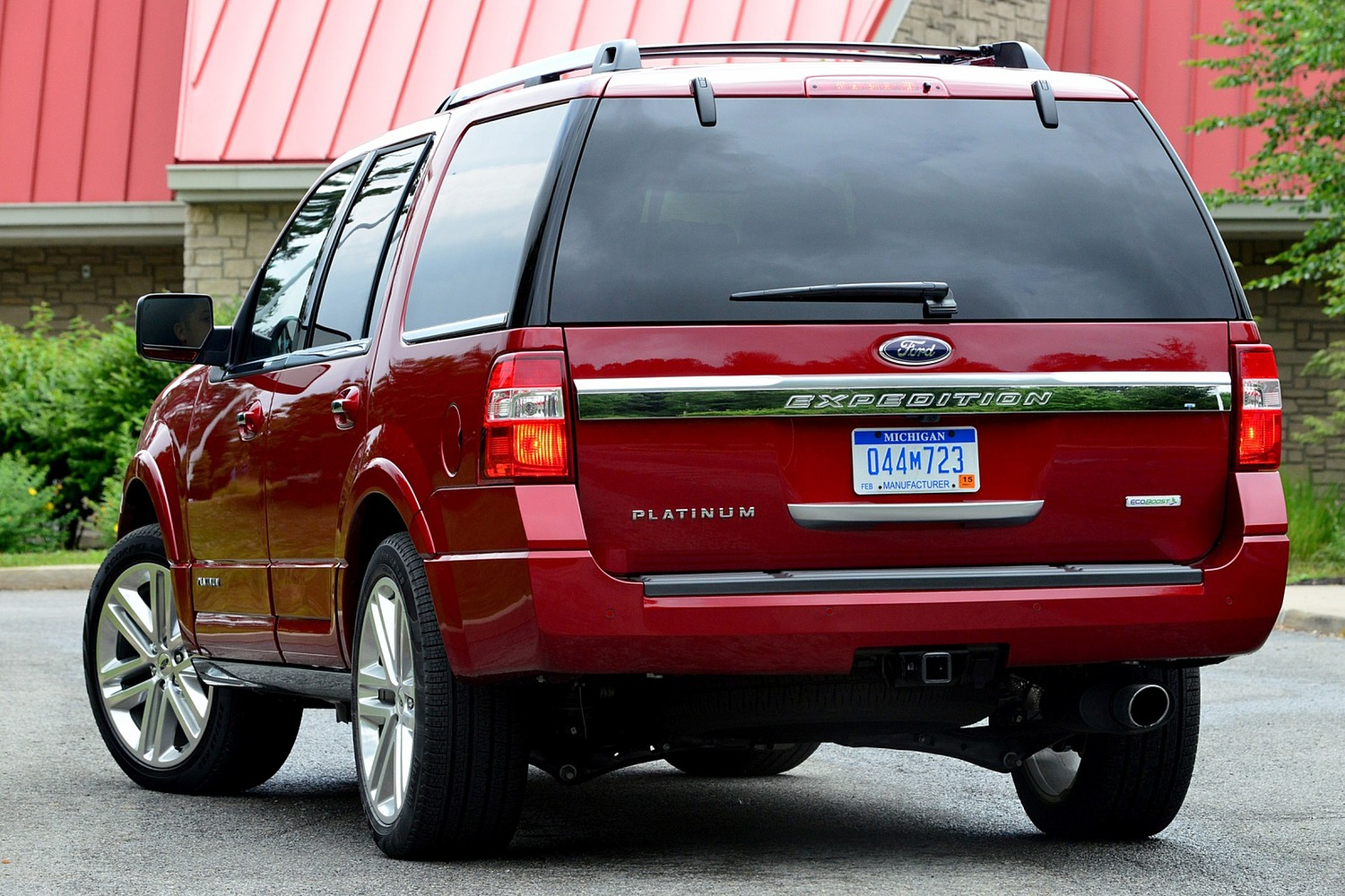 Ford Expedition Platinum 4dr SUV Exterior Shown (2016 model year shown)