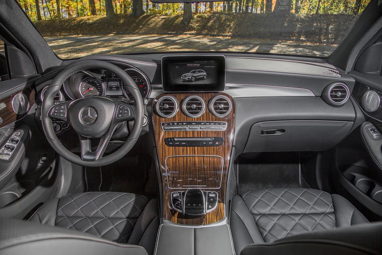 2016 Mercedes-Benz GLC-Class GLC300 4MATIC 4dr SUV Dashboard