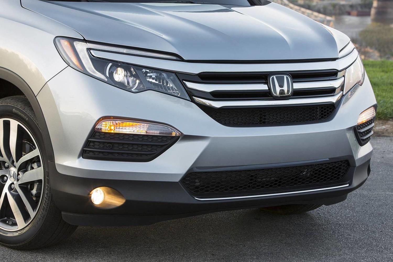 Honda Pilot Elite 4dr SUV Front Badge (2016 model year shown)