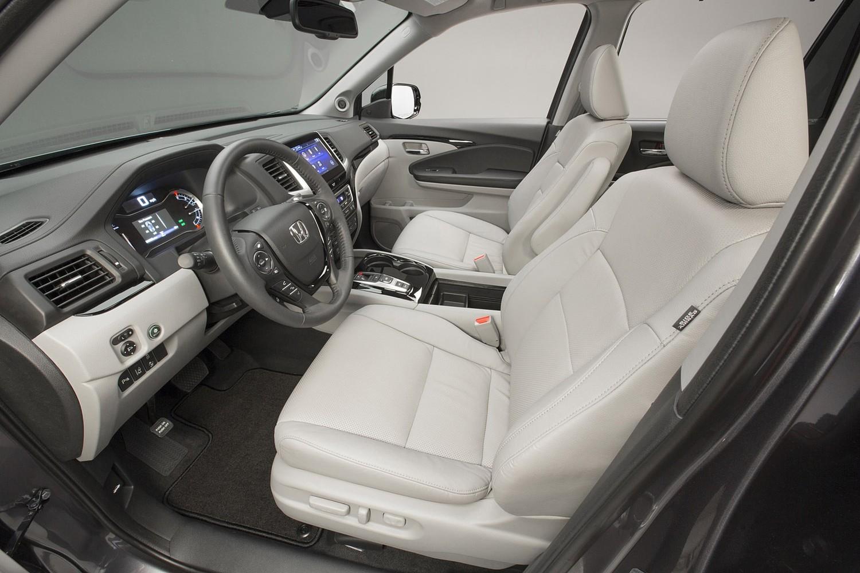 2016 Honda Pilot Elite 4dr SUV Interior