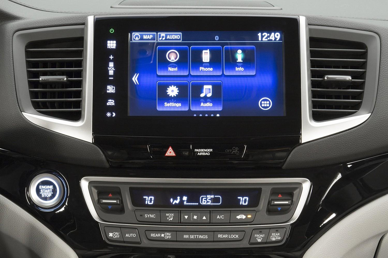 2016 Honda Pilot Elite 4dr SUV Center Console