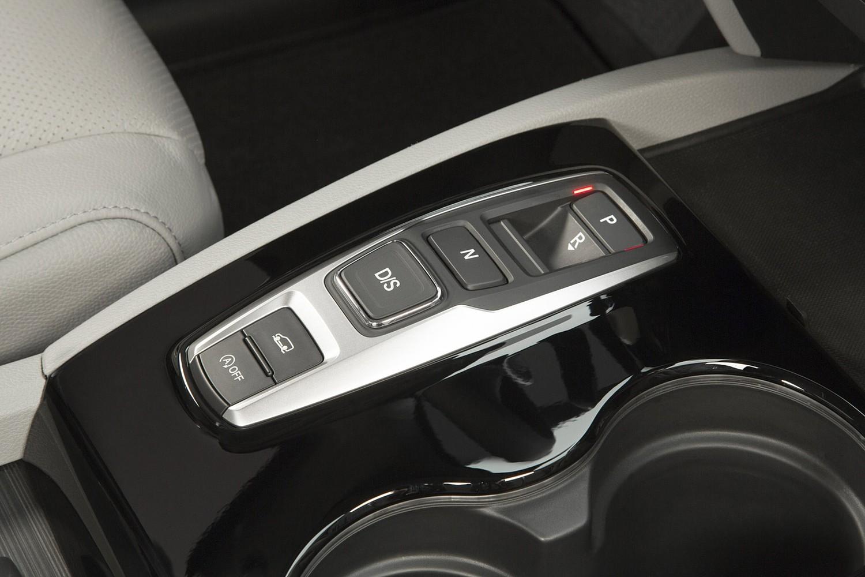 Honda Pilot Elite 4dr SUV Shifter (2016 model year shown)