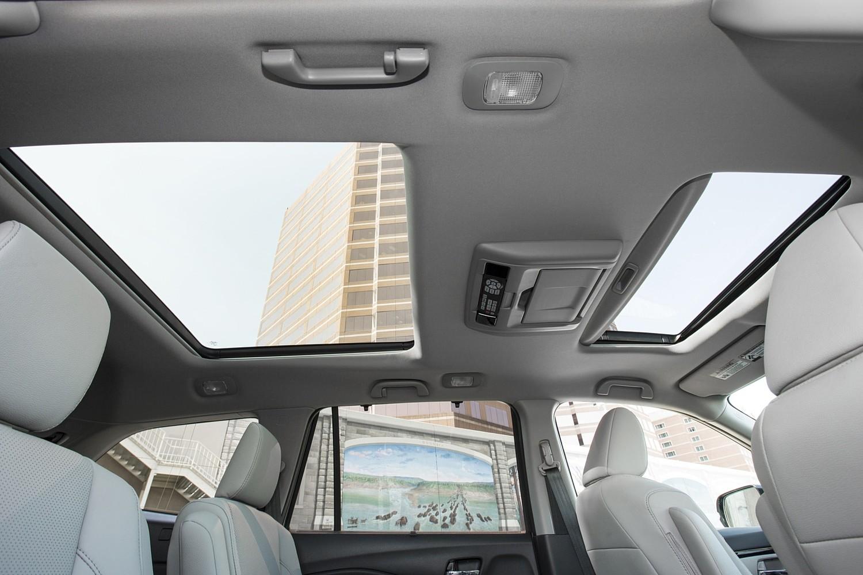 2016 Honda Pilot Elite 4dr SUV Sunroof