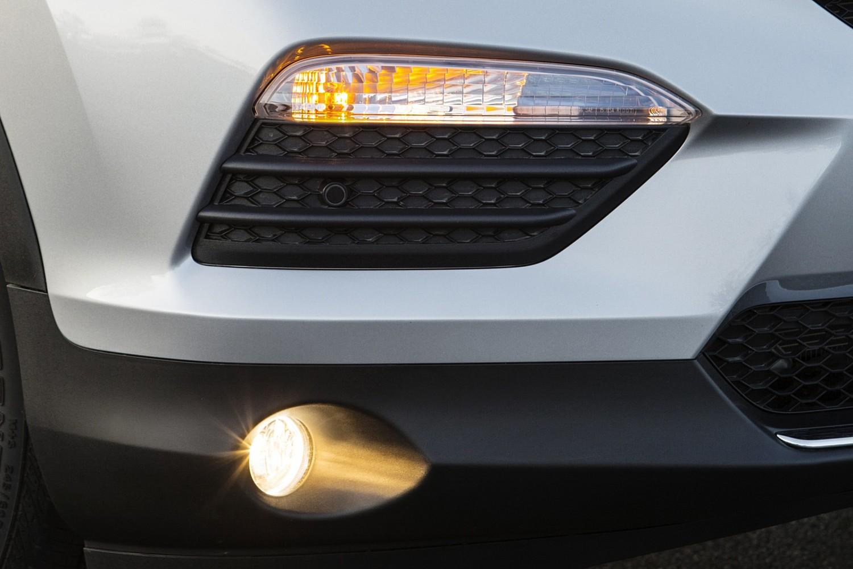 Honda Pilot Elite 4dr SUV Fog Light Detail (2016 model year shown)
