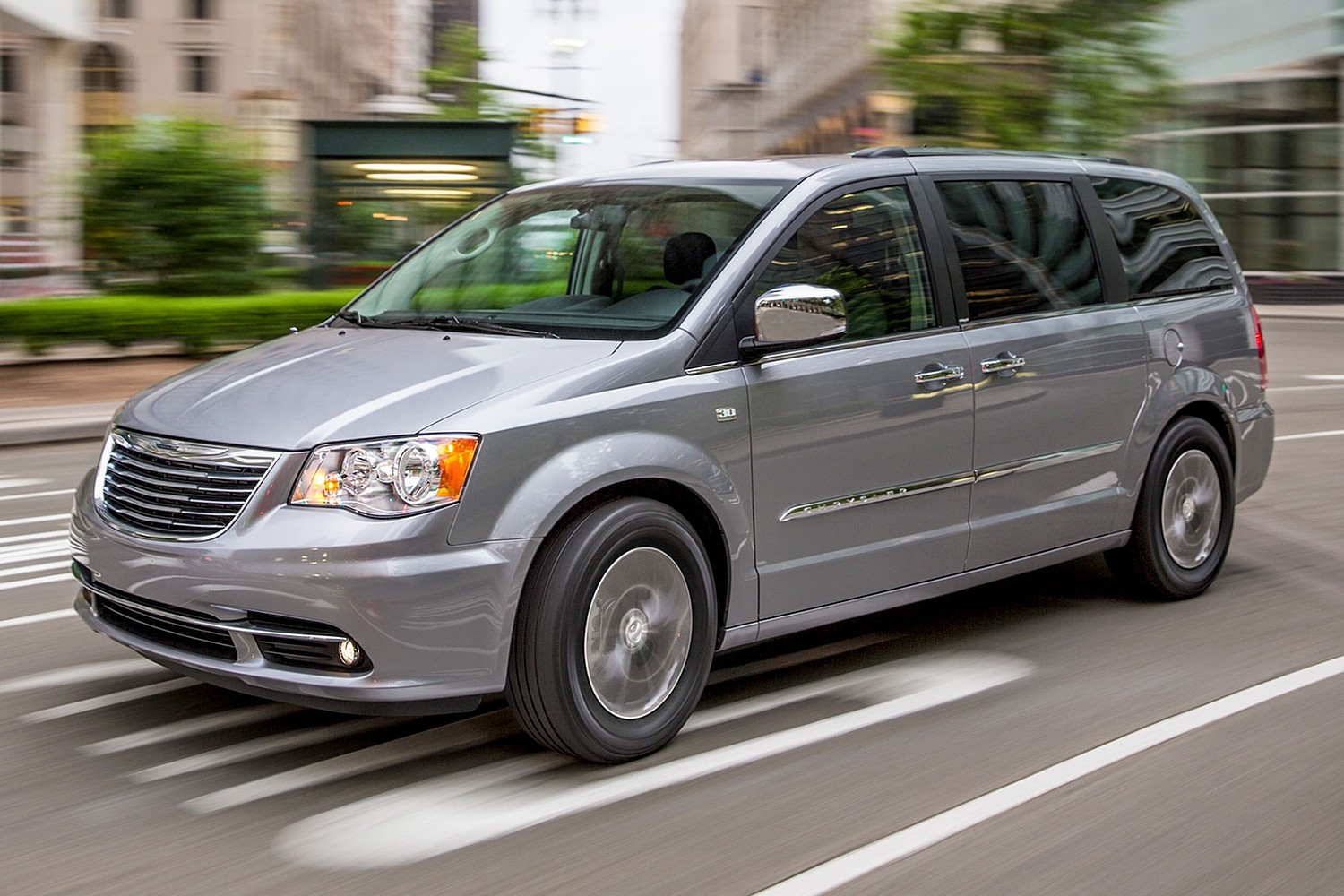 2016 Chrysler Town and Country Anniversary Edition Passenger Minivan Exterior