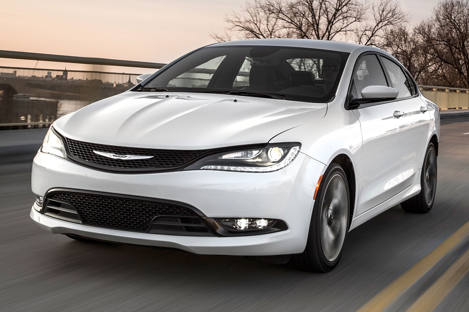 2016 Chrysler 200 S Sedan Exterior
