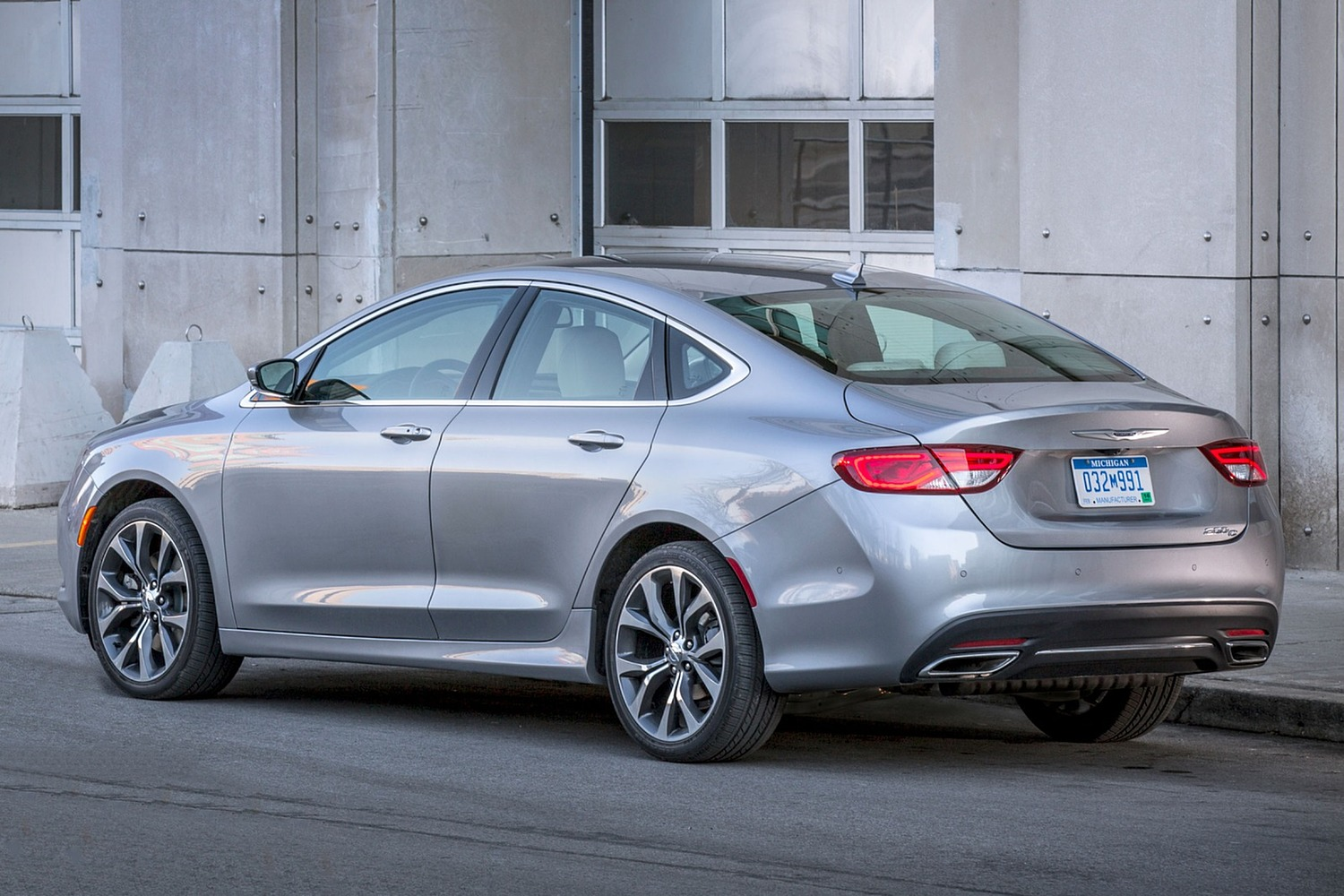 2016 Chrysler 200 C Sedan Exterior