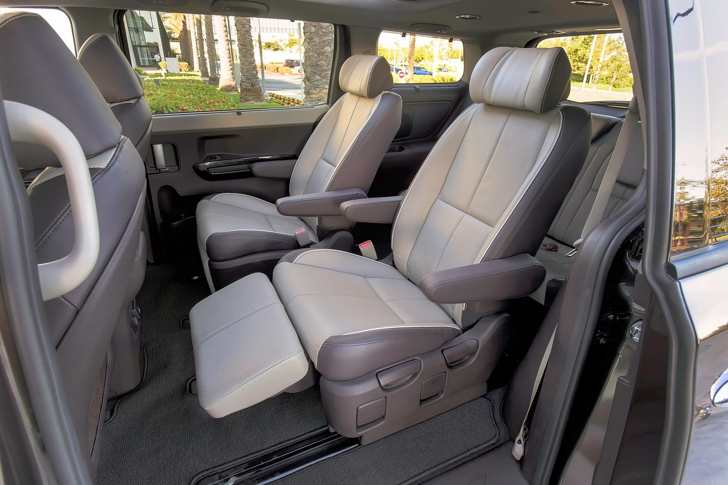 Kia Sedona SX Limited Passenger Minivan Rear Interior Shown (2016 model year shown)