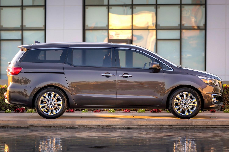 2016 Kia Sedona SX Limited Passenger Minivan Exterior Shown