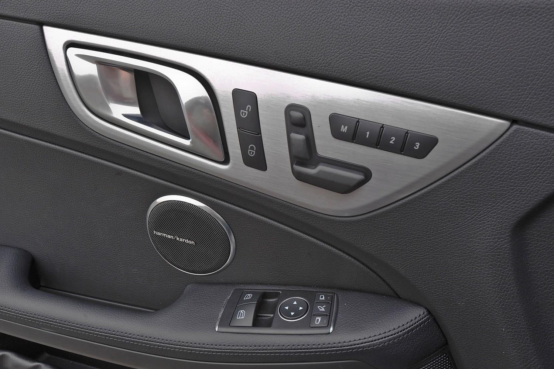 2016 Mercedes-Benz SLK-Class SLK350 Convertible Interior Detail