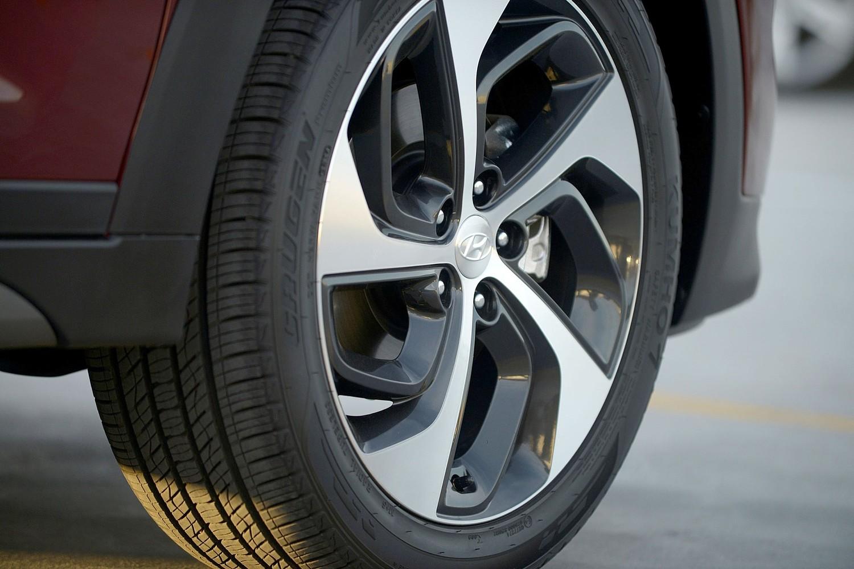 2016 Hyundai Tucson Limited 4dr SUV Wheel