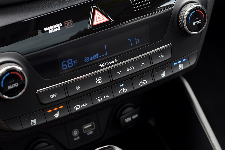 2016 Hyundai Tucson Limited 4dr SUV Center Console