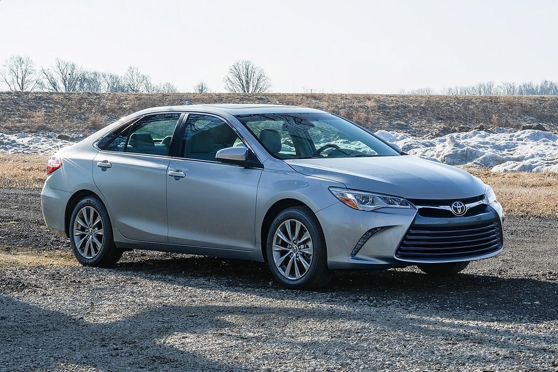 2016 Toyota Camry XLE Sedan Exterior Shown
