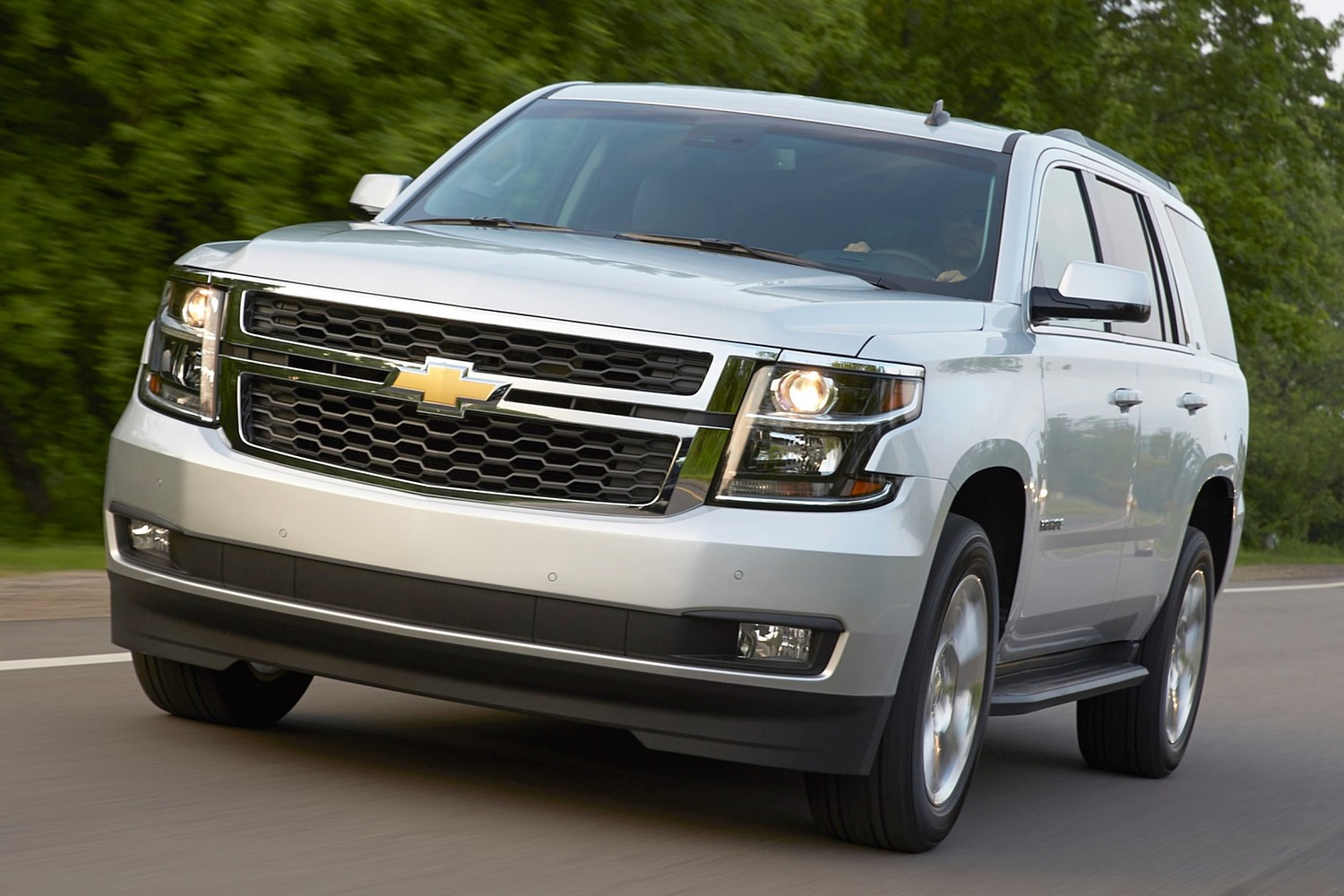 2016 Chevrolet Tahoe LT 4dr SUV Exterior. Luxury Package Shown.