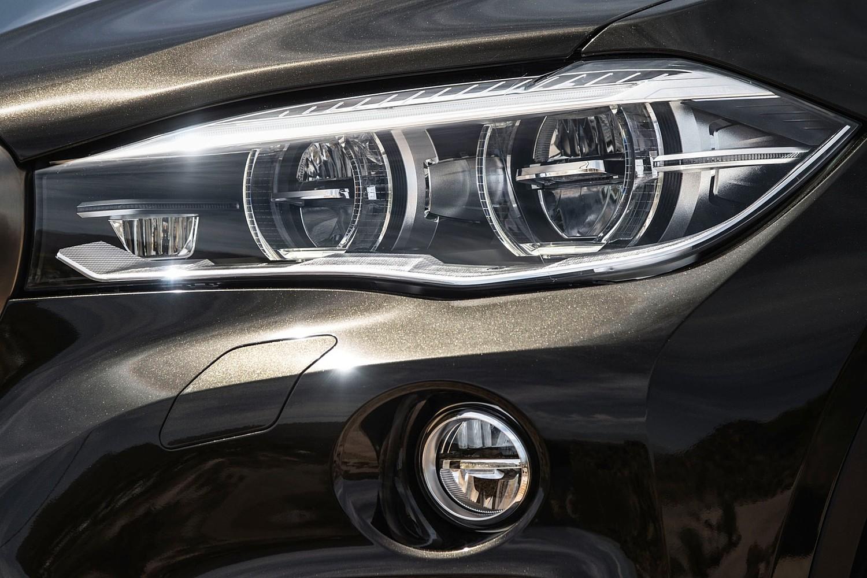 2016 BMW X6 xDrive50i 4dr SUV Headlamp Detail