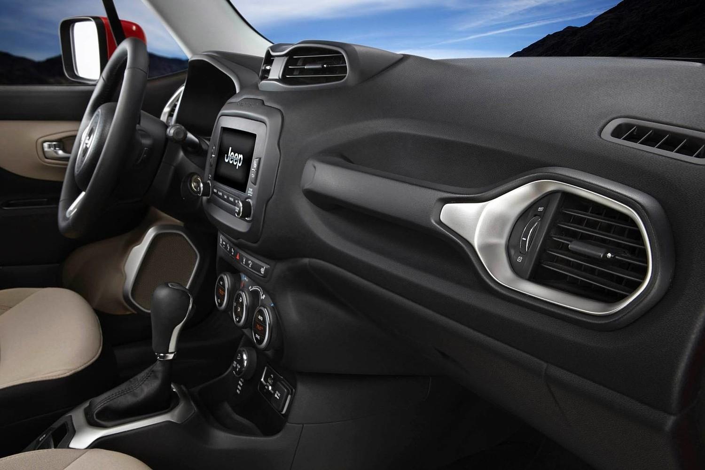 Jeep Renegade Latitude 4dr SUV Interior Shown (2016 model year shown)