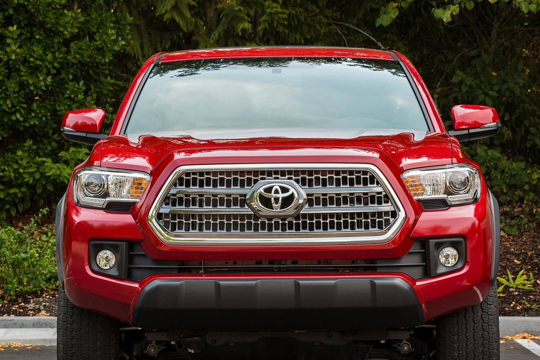 2016 Toyota Tacoma TRD Off Road Crew Cab Pickup Exterior