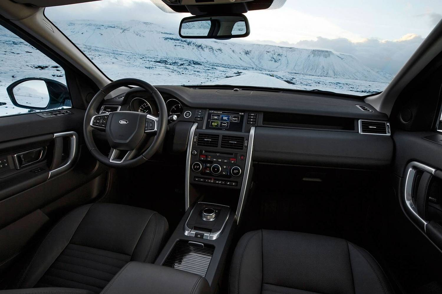 2016 Land Rover Discovery Sport HSE LUX 4dr SUV Interior Shown