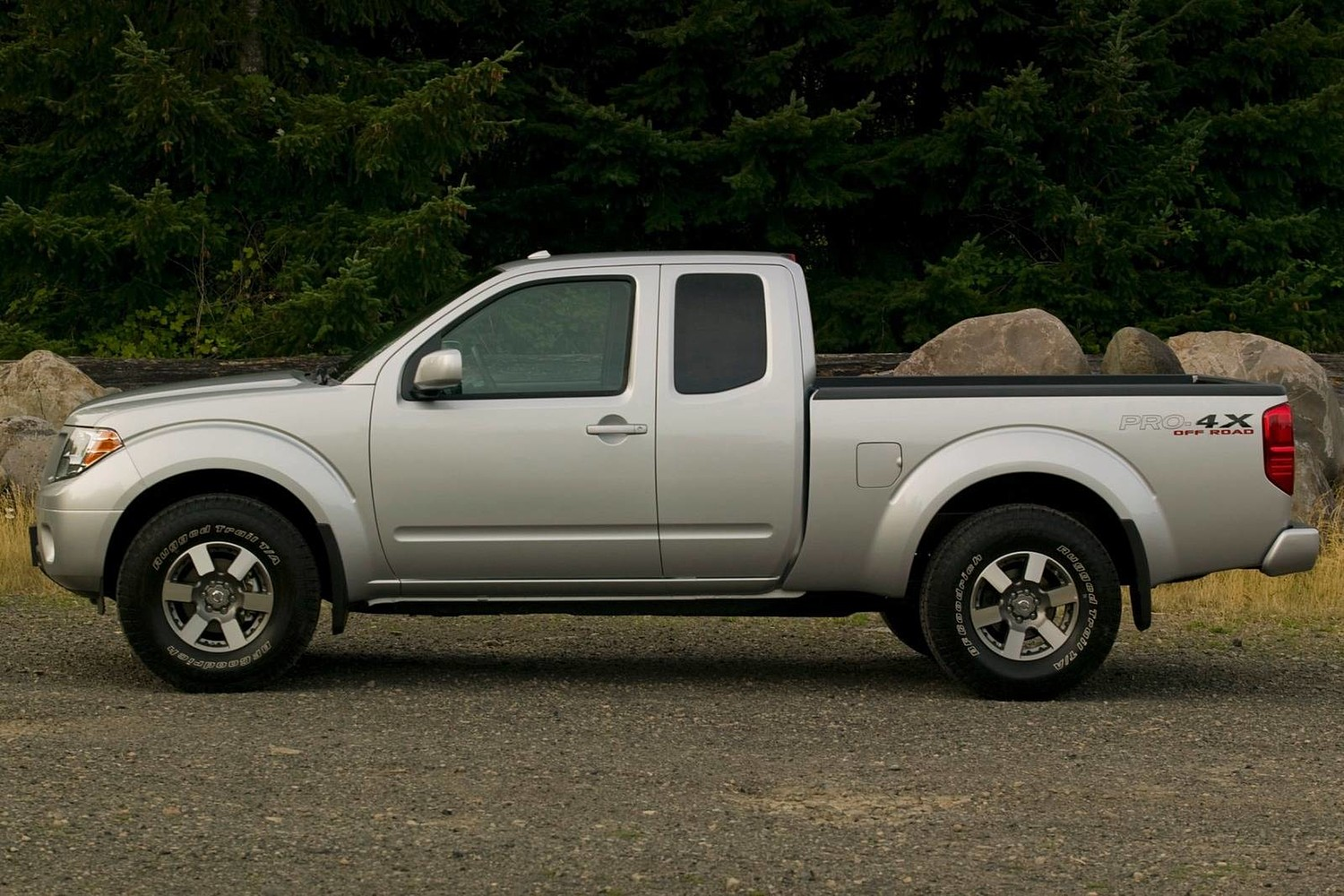 2016 Nissan Frontier PRO-4X Extended Cab Pickup Exterior Shown