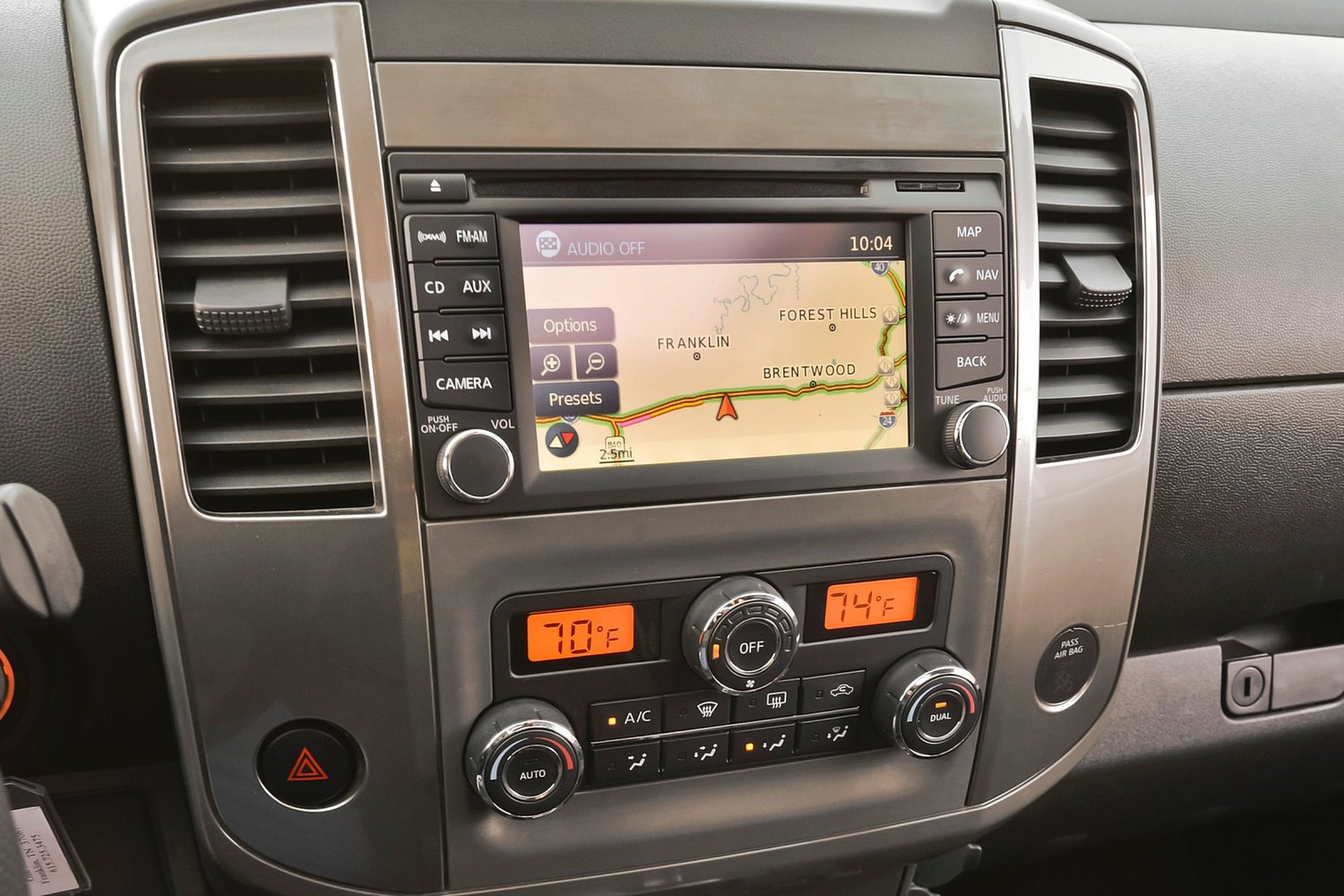 2016 Nissan Frontier PRO-4X Crew Cab Pickup Center Console