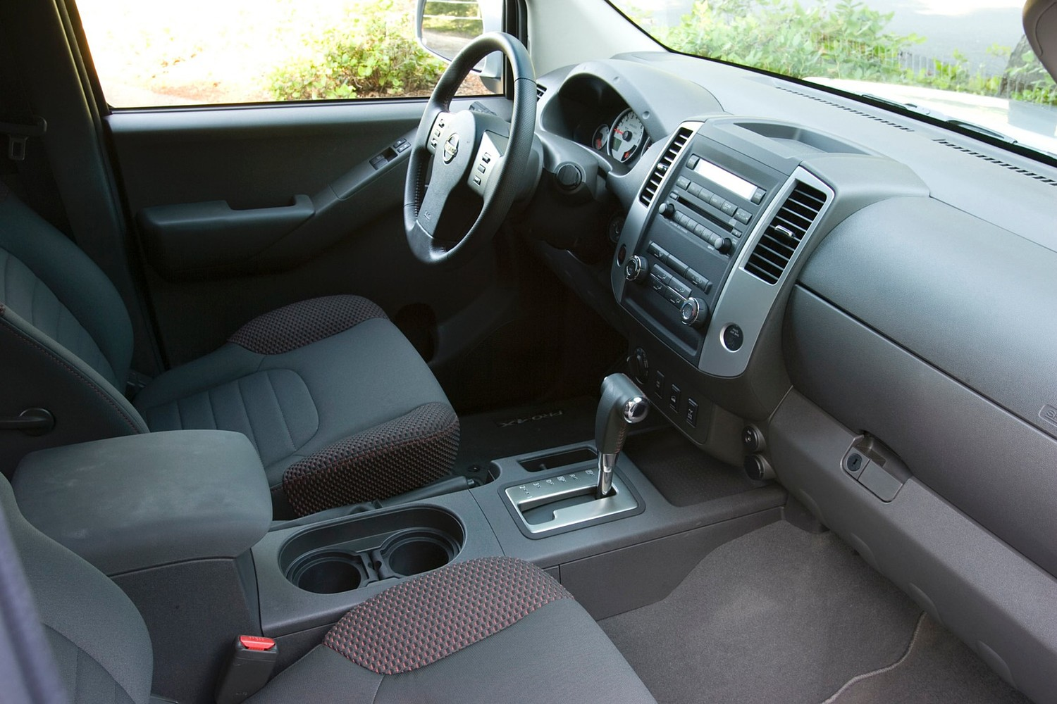 2016 Nissan Frontier PRO-4X Extended Cab Pickup Interior