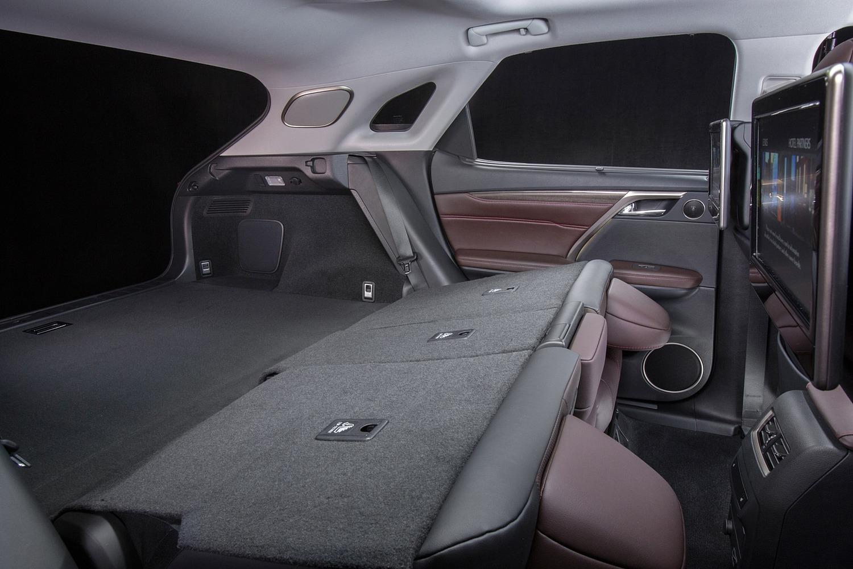 Lexus RX 450h 4dr SUV Interior (2016 model year shown)