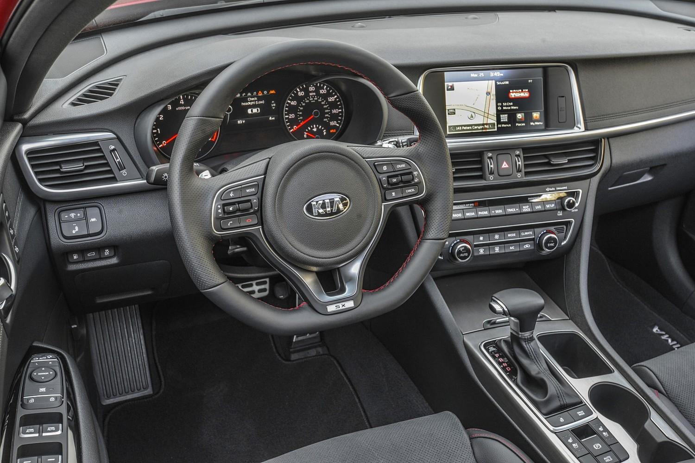 2016 Kia Optima SX Turbo Sedan Steering Wheel Detail