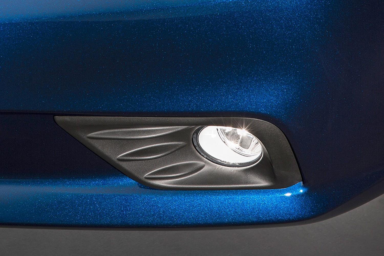 2016 Nissan Altima 2.5 SR Sedan Fog Light