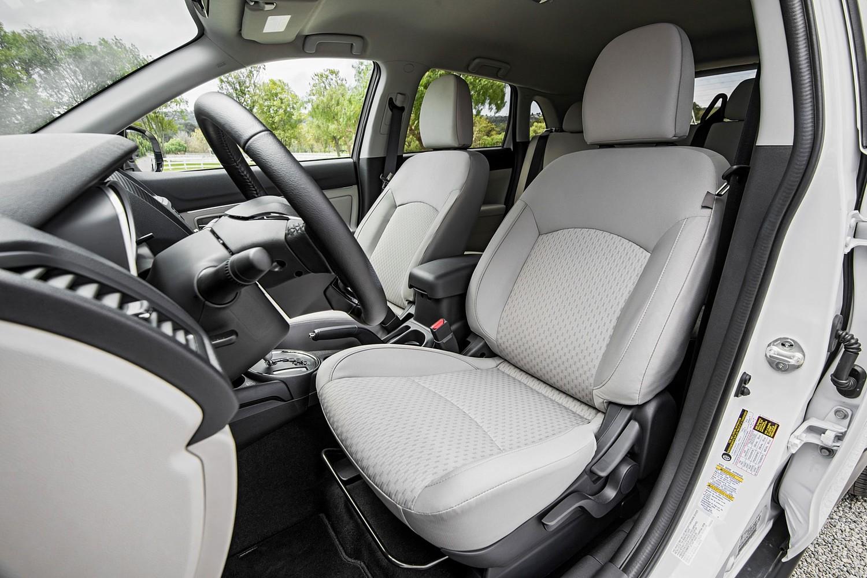 2016 Mitsubishi Outlander Sport 2.4 SE 4dr SUV Interior