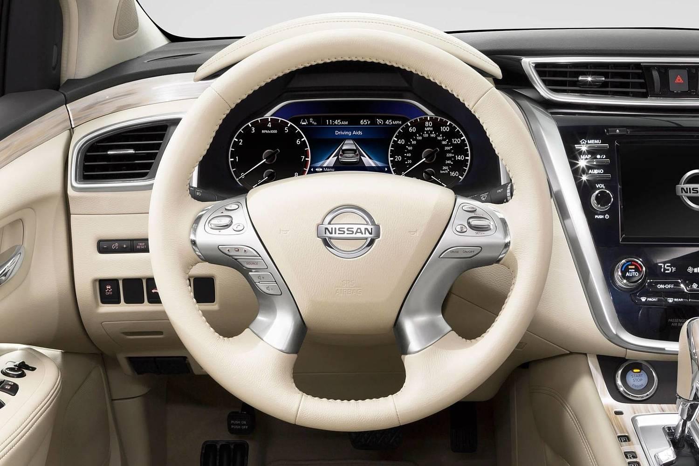 Nissan Murano Platinum 4dr SUV Steering Wheel Detail (2016 model year shown)