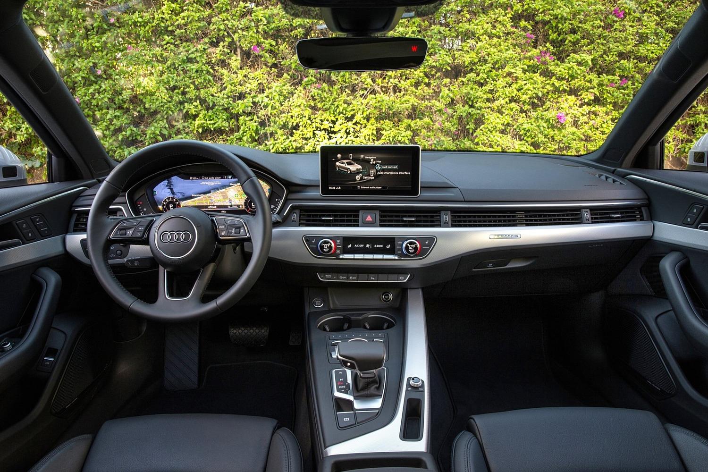 2017 Audi A4 2.0 TFSI Prestige quattro Sedan Dashboard