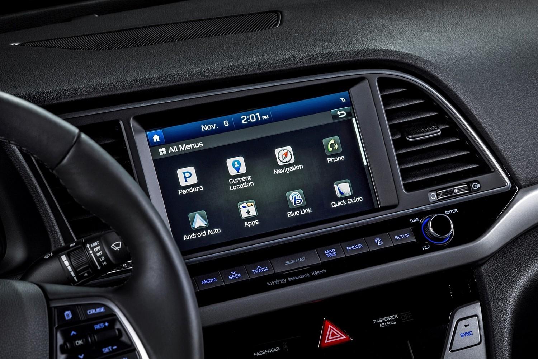 2017 Hyundai Elantra Limited Sedan Center Console