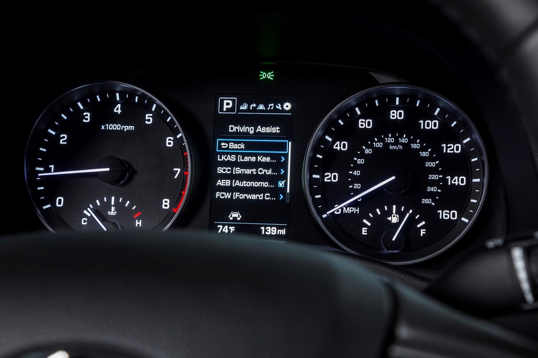 2017 Hyundai Elantra Limited Sedan Gauge Cluster
