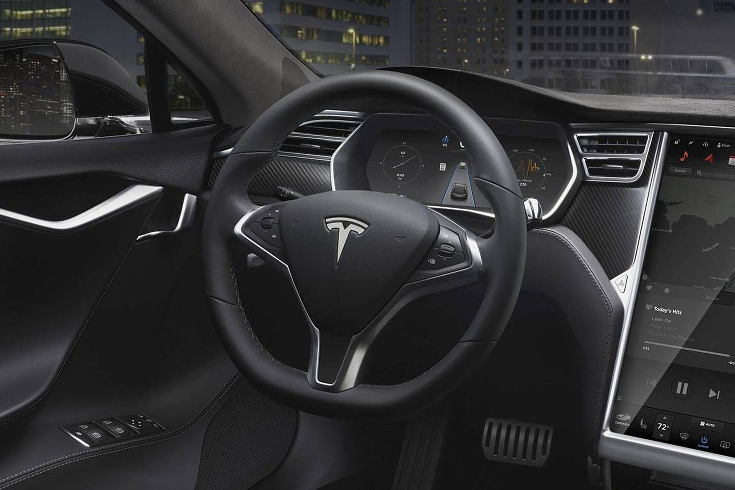 Tesla Model S 90D Sedan Steering Wheel Detail (2016 model year shown)