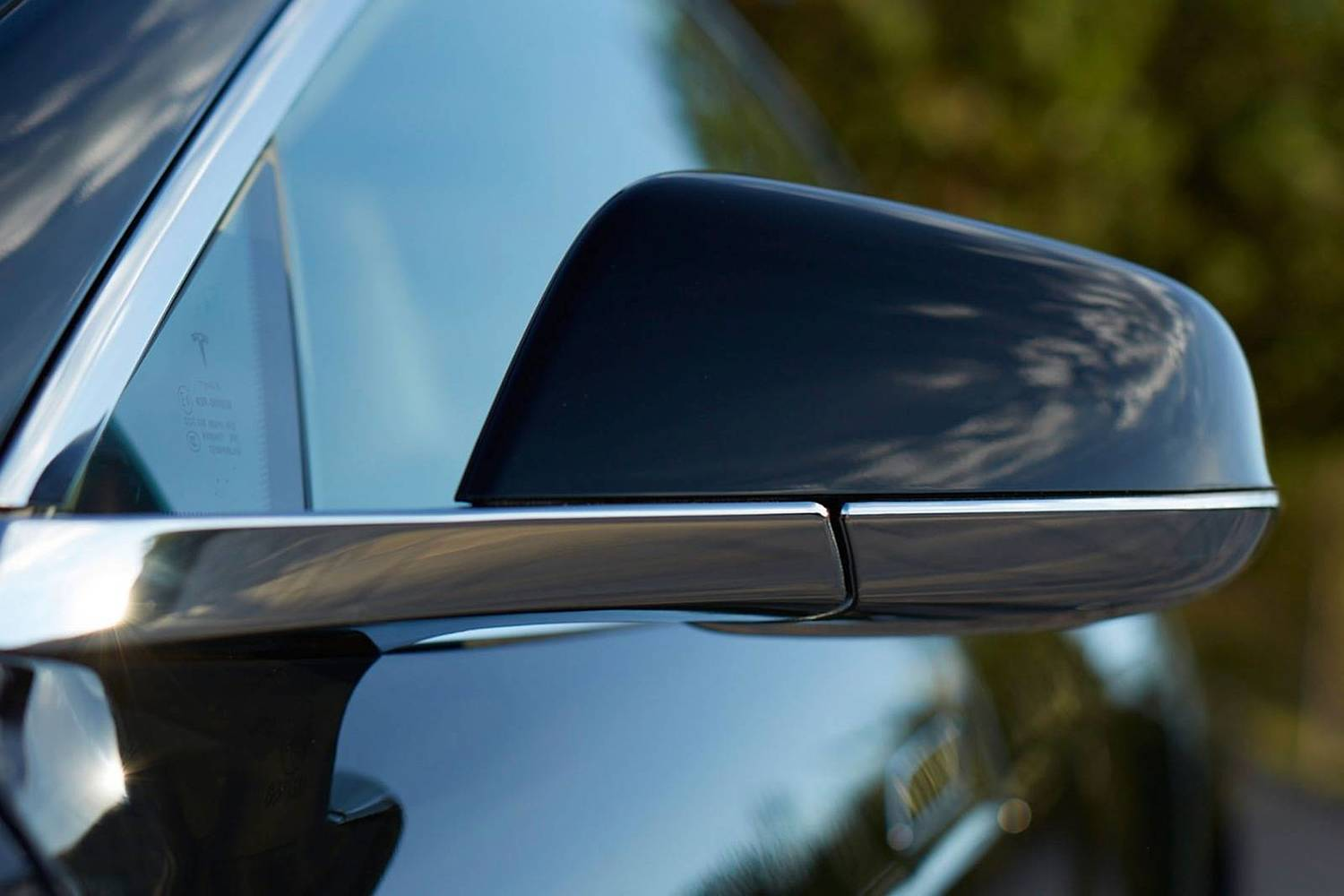 Tesla Model S 90D Sedan Exterior Detail (2016 model year shown)