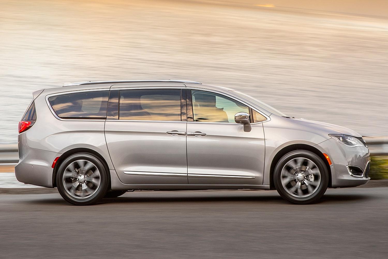 2017 Chrysler Pacifica Limited Passenger Minivan Exterior Shown