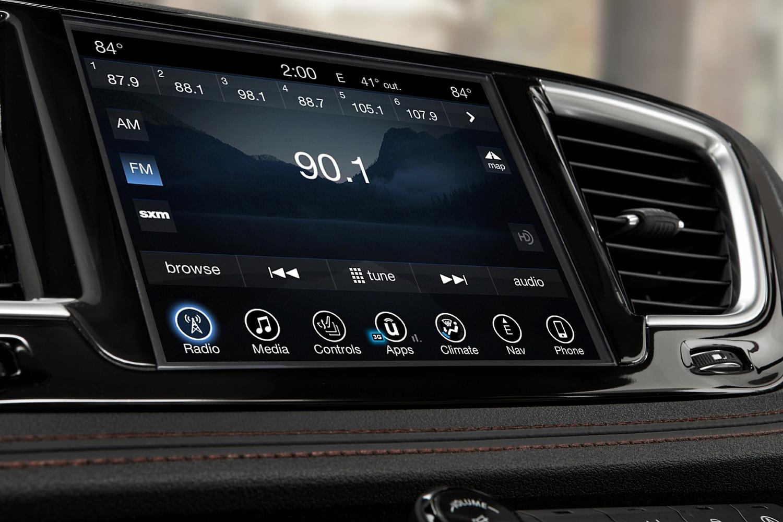 2017 Chrysler Pacifica Limited Passenger Minivan Center Console