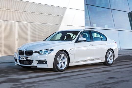 2017 BMW 3 Series Sedan Hybrid