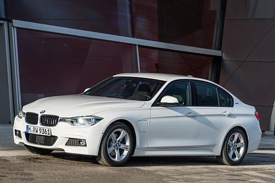 2018 BMW 3 Series Sedan Hybrid